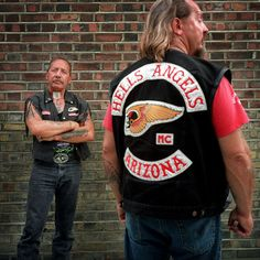 The Hells Angels is the world's largest biker motorcycle club and Americas last heroes thanks to vision of Sonny Barger – Insane Throttle Biker News Biker Clubs, Motorcycle Clubs, Biker News, Sonny Barger, American Legend, Hells Angels, Harley Davidson, Red And White, Motorcycles