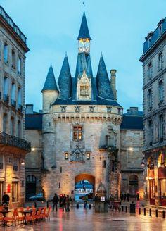Porte-Cailhau, Bordeaux, França.
