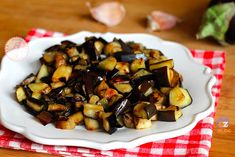 MELANZANE PADELLA Veggie Side Dishes, Vegetable Dishes, Italian Recipes, Vegan Recipes, Cooking Recipes, My Favorite Food, Favorite Recipes, Eggplant Recipes, Pasta