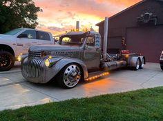 Classic Pickup Trucks, Old Pickup Trucks, Hot Rod Trucks, Dump Trucks, Cool Trucks, Big Trucks, Accessoires De Jeep Wrangler, 1946 Chevy Truck, Medium Duty Trucks