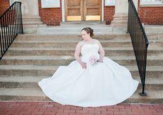 STYLED SHOOT | VINEYARD BRIDAL PORTRAITS | Crystal Reyns Photography | The Pretty Pear Bride - Plus Size Bridal Magazine