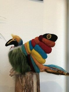 Needle Felted Tropical bird of Paradise. One of a kind large, bright and colourful bird all made from my imagination so no other like it. Needle Felted Animals, Felt Animals, Needle Felting, Quirky Gifts, Unusual Gifts, Brush Embroidery, Soft Sculpture, Sculptures, Felt Birds