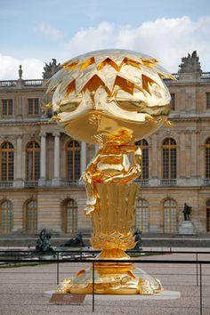"""Oval Buddha"", 2007-2010 / Château de Versailles, 2010 / By Takashi Murakami"