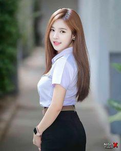 Cute Asian Girls, Beautiful Asian Girls, Gorgeous Women, Cute Girls, Pretty Girls, University Girl, Indonesian Girls, Girls Uniforms, Japan Girl