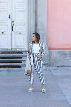 Casual chic spring outfit. Striped suit. Trendencies Blog