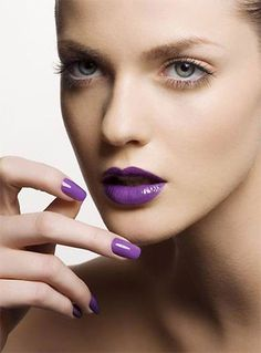 Purple make-up and nails