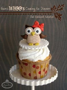Adorable fondant owl topper with step-by-step tutorial Pinned by www.myowlbarn.com