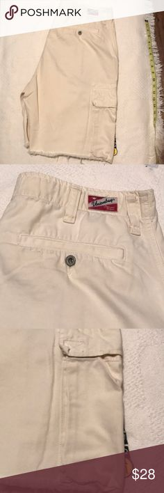 a67f44be39 Union Bay Cargo Shorts! Very nice Union Bay Vanilla Cargo Shorts! Excellent  Condition!