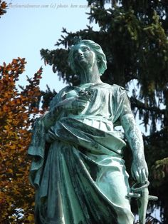 #TFSPhotos (4/6)-The Holenshade Marker at the Spring Grove Cemetery, Cincinnati, Ohio (c) The Funeral Source, photo: Ken Naegele. http://www.thefuneralsource.org/cemohhamco.html
