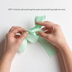 Diy tips: how to tie a perfect bow - wedding inspiration Tie Bows With Ribbon, Diy Ribbon, Ribbon Crafts, Wedding Bows, Craft Wedding, Crafts For Teens, Diy And Crafts, Diy Teddy Bear, Homemade Bows