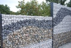 50 Gorgeous Gabion Fence Design for Garden Ideas - Zaun Front Yard Fence, Farm Fence, Backyard Fences, Garden Fencing, Garden Landscaping, Landscaping Ideas, Small Fence, Fence Art, Pool Fence