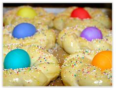 every year we get yummy italian easter bread!.. i always pick out the egg though. sometimes never change!