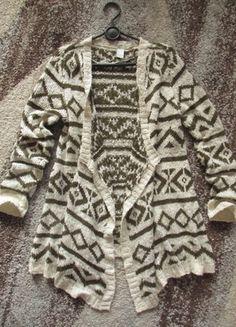 Vila - kremowo-khaki sweter oversize aztecki wzór etno - 42 Kup mój przedmiot na #vintedpl http://www.vinted.pl/damska-odziez/dlugie-swetry/11197986-vilakremowo-khaki-sweter-oversize-aztecki-wzor42