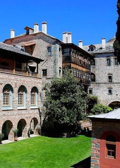 The monks' cells of Filotheou monastery, Mount Athos, Greece Beautiful Islands, Beautiful Places, The Holy Mountain, Christian World, The Monks, Ancient Ruins, Travel Light, Sandy Beaches, Europe