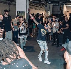rorykramer: Thanks for letting me in your circle @justinbieber #PreShowDab : @_blythethomas