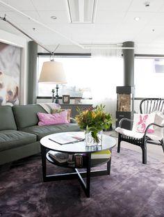 Sisustusmateriaalien valintaa helpottaa nettipohjainen KodinOnni-palvelu, jota voi käyttää, joko oman tai Kotimyymälän sohvalta käsin. Joko, Dining Table, Couch, Furniture, Home Decor, Dining Room Table, Decoration Home, Room Decor, Sofas