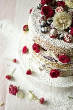 Victorian Sponge Cake by chickpeastudio