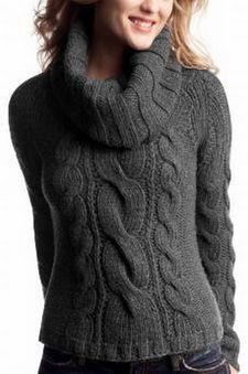 Вязанный женский свитер с косами