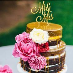 O naked cake ainda continua em alta! Uma ótima opção para noivas que gostam de um acabamento rústico – e de um chocolate bem gostoso ;) La torta naked cake sigue de moda! Una excelente opción para novias que les gustan las terminaciones rústicas – y de un