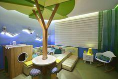 Casa Cor RS 2014 – Floresta Encantada : Quarto infantil moderno por Mundstock Arquitetura