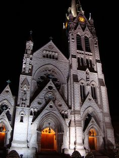 St. Francis Xavier College Church on the campus of Saint Louis University. Dream Wedding Church.