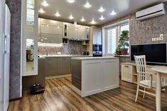 அரை-மட்டு சமையலறைகளைப் பற்றி நீங்கள் தெரிந்து கொள்ள வேண்டிய 8 விஷயங்கள் - வடிவமைப்பு இதழ் How To Install Countertops, Kitchen Countertops, Kitchen Cabinets, Small Bathroom Suites, Kitchen Modular, First Kitchen, Kitchen Installation, Empty Spaces, Upper Cabinets