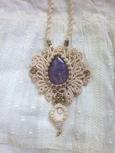 Macrame Necklace, Macrame Jewelry, Diy Necklace, Crochet Necklace, Pendant Necklace, Nice Ideas, Wedding Headband, Boho, Indian Art