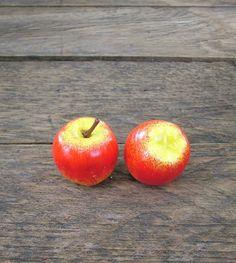 Élethű mini mű almák őszi dekoráció készítéséhez.