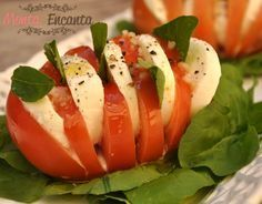 Salada Caprese Salada Caprese, Caprese Salad, I Love Food, Good Food, Yummy Food, Diet Recipes, Cooking Recipes, Healthy Recipes, Going Vegan