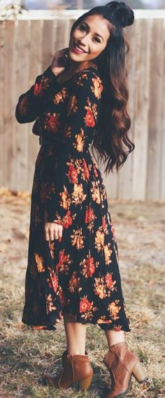 15 Early Fall Outfit Ideas to Wear for Your Next Event 2019 RORESS closet ideas fashion outfit style apparel black Floral Maxi Dress and Boots via The post 15 Early Fall Outfit Ideas to Wear for Your Next Event 2019 appeared first on Floral Decor. Midi Dress Outfit, Floral Dress Outfits, Boho Outfits, The Dress, Fall Outfits, Fashion Outfits, Dress Boots, Dress Casual, Dress Long
