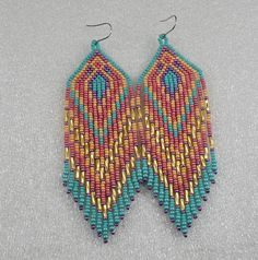 beaded earrings how to make Seed Bead Jewelry, Seed Bead Earrings, Fringe Earrings, Diy Earrings, Earrings Handmade, Beaded Jewelry, Hoop Earrings, Native Beading Patterns, Loom Bracelets