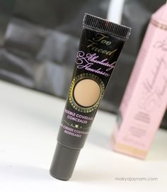 too_faced_absolutely_flawless_concealer_perfect_nude_2