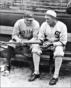 Shoeless Joe Jackson of the Chicago White Sox and the New York Yankees' Babe Ruth look at one of Babe's home run bats. Get premium, high resolution news photos at Getty Images Babe Ruth, Sports Baseball, Baseball Players, Baseball Stuff, Baseball Caps, Baseball Season, Baseball Live, Mlb Players, Expos Baseball