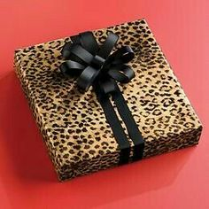 Leopard Print Gift Wrap gifts it yourself gifts handmade gifts Animal Print Decor, Animal Print Fashion, Animal Prints, Christmas Style, Print Wrapping Paper, Leopard Fashion, Christmas Gift Wrapping, Wrapping Gifts, Wrapping Ideas