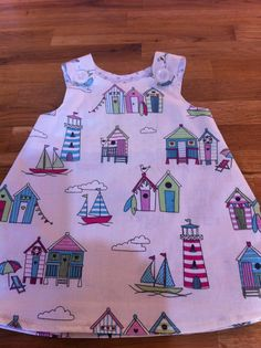 Beach huts dress Beach Huts, Sewing Projects, How To Make, Handmade, Crafts, Clothes, Dresses, Outfits, Vestidos