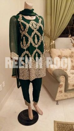 Pakistani Party Wear, Pakistani Wedding Outfits, Pakistani Couture, Simple Pakistani Dresses, Pakistani Dress Design, Indian Dresses, Couture Dresses, Fashion Dresses, Kaftan