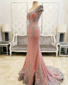How beautiful! If you change the color it'd be a really pretty wedding dress   Mak Tumang