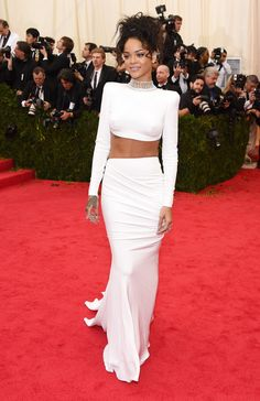 Rihanna+Red+Carpet+Arrivals+Met+Gala+Part+0I_1s6WY5ACl