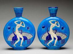 Porción # : 976 - Pair of Primavera Pottery French Vases.