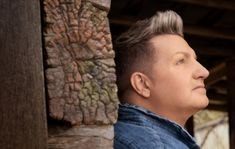 GARY LEVOX SHARES 'ONE ON ONE' CHRISTIAN COLLECTION DETAILS & NEW SONG Top Country Songs, Country Music News, Country Music Stars, Country Singers, News Songs, Christian, Couple Photos, Collection, Couple Shots