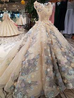 b5b54eddcb9 Grey Applique Round Neck Luxury Long Trail  Floor Length Flower Wedding  Dress