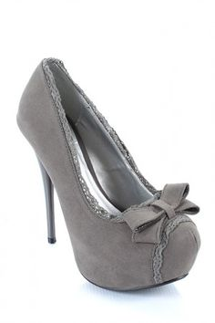Qupid Neutral Bow Round Toe Pump in Gray