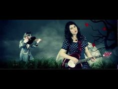 LAURA CAHEN - MON LOUP - LE CLIP Exercice de co Cloze Activity, French Songs, Music Express, Active Listening, All About Music, Teaching French, France, Jukebox, Language