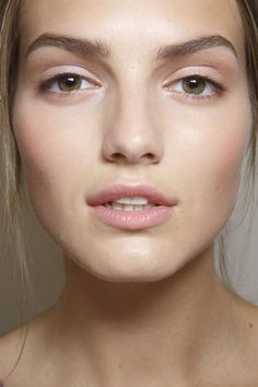 Minimal Angelic Makeup #Valentino #backstagebeauty