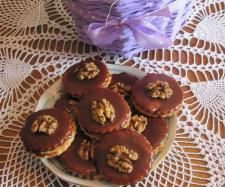 Recipe Linecká kolečka by Jaroslava Fortelkova, learn to make this recipe easily in your kitchen machine and discover other Thermomix recipes in Dezerty a sladkosti. Kitchen Machine, Muffin, Breakfast, Recipes, Food, Thermomix, Morning Coffee, Muffins, Meal