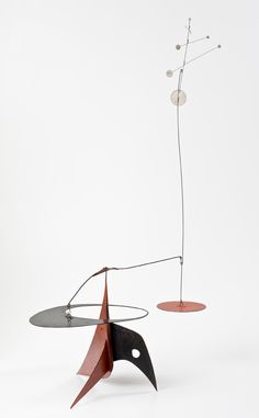 ¤ Alexander Calder est un sculpteur et peintre américain (1898-1976) Alexander Calder, Mobile Art, Hanging Mobile, Abstract Sculpture, Sculpture Art, Steel Sculpture, Kinetic Art, Outdoor Art, Wire Art