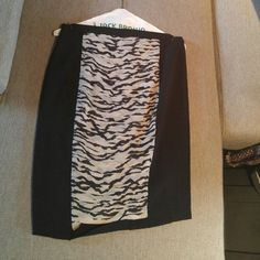 Forever 21 mini skirt Black and white printed mini skirt by Forever 21 size L worn once just got back from cleaner Forever 21 Skirts Mini