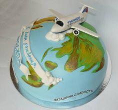 Торт самолет с мастики