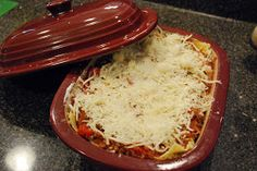 Pampering My Obsessions: What's for dinner? Lasagna in the Pampered Chef Deep Covered Baker!