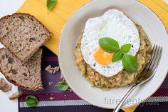 Cuketovo-šošovicový prívarok s mrkvou Zucchini, Smoothies, Vegan Recipes, Good Food, Veggies, Food And Drink, Baking, Breakfast, Fitness